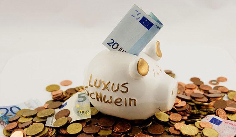 Правильное, бережное обращение с деньгами в дальнейшем приведет к их преумножению.